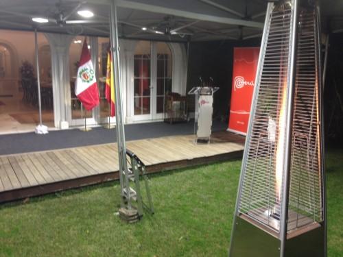 Soluciones para la lluvia alquiler de carpas profesionales for Alquiler estufas exterior