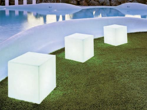 Alquiler de lámpara retroiluminada cubo
