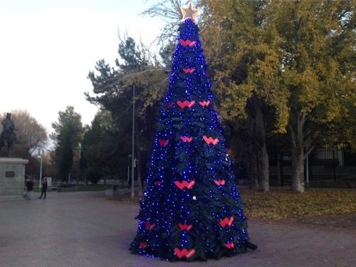 4f5e6840f9e Alquiler de árbol de Navidad de 6 metros personalizado