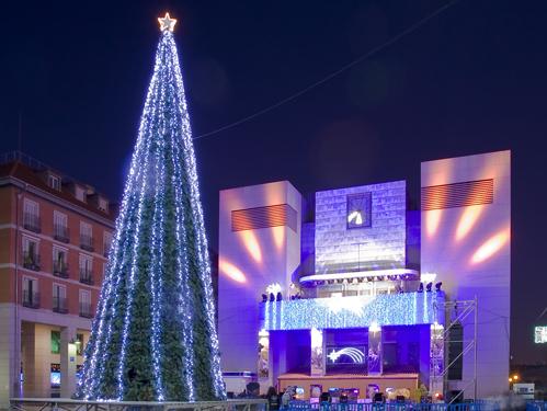 Alquiler de rboles de navidad gigantes for Arbol de navidad exterior