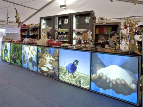 Alquiler de Barra bar de 6m largo x 50cm fondo x 1m alto con fotos personalizadas y retro iluminadas