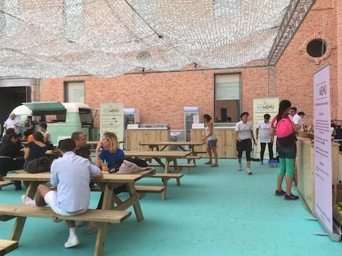 Barras de bar de madera en alquiler para stands gastronómicos