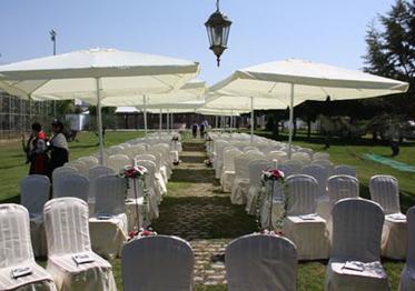 Sombrillas de alquiler para ceremonias y celebraciones