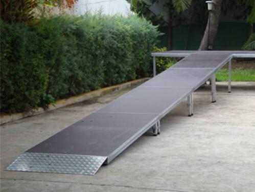 Alquiler de rampa de escenario para exterior