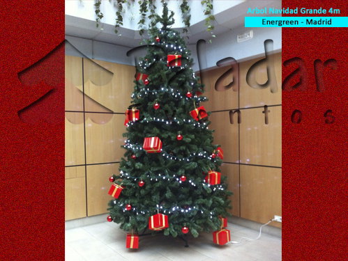 Rbol navidad gigantes para interior for Arbol interior