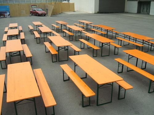Alquiler de mesas y bancos de madera plegables para eventos - Bancos madera exterior ...