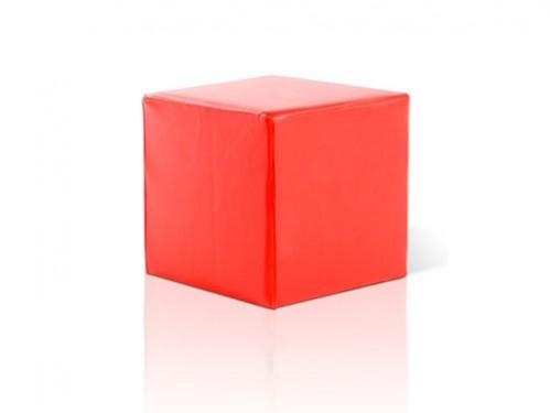 Alquiler de puff cuadrado en poli piel roja