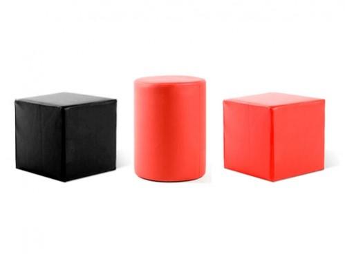 Alquiler de puffs redondos y cuadrados de distintos colores