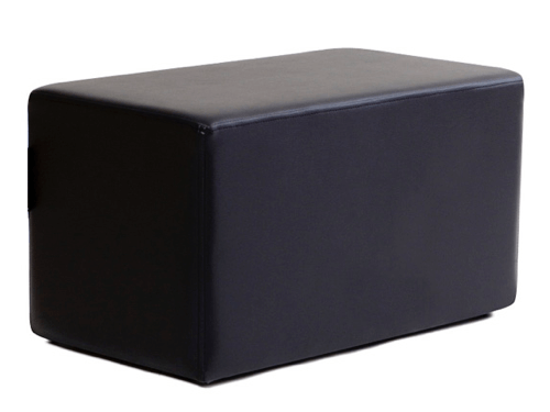 Alquiler de puffs rectangulares de color negro para eventos