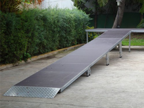 Alquiler de Rampa para escenario de 8 metros de largo con finalizador