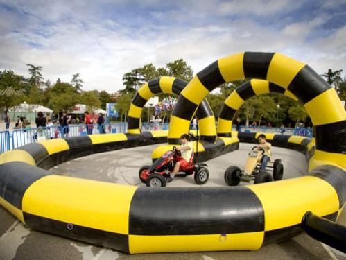 Alquiler Circuito hinchable de Karts con dos karts visión completa de la pista
